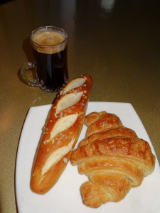 Baugette, croissant och kaffe, supperpoppis i Frankrike!!
